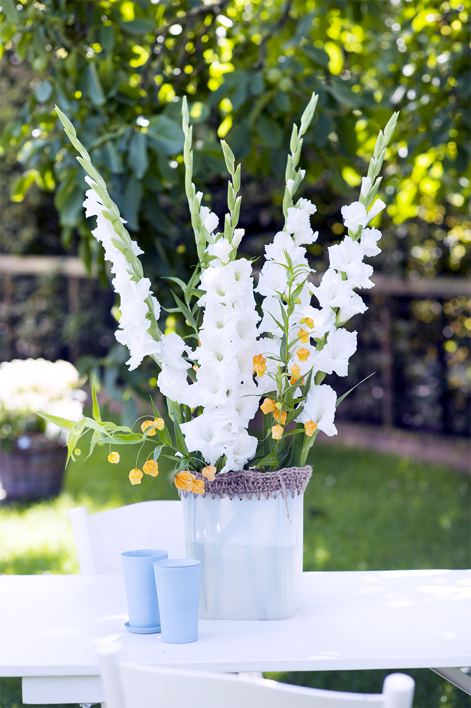 Diy Place Your Flowers In A Crocheted Vase Funny How