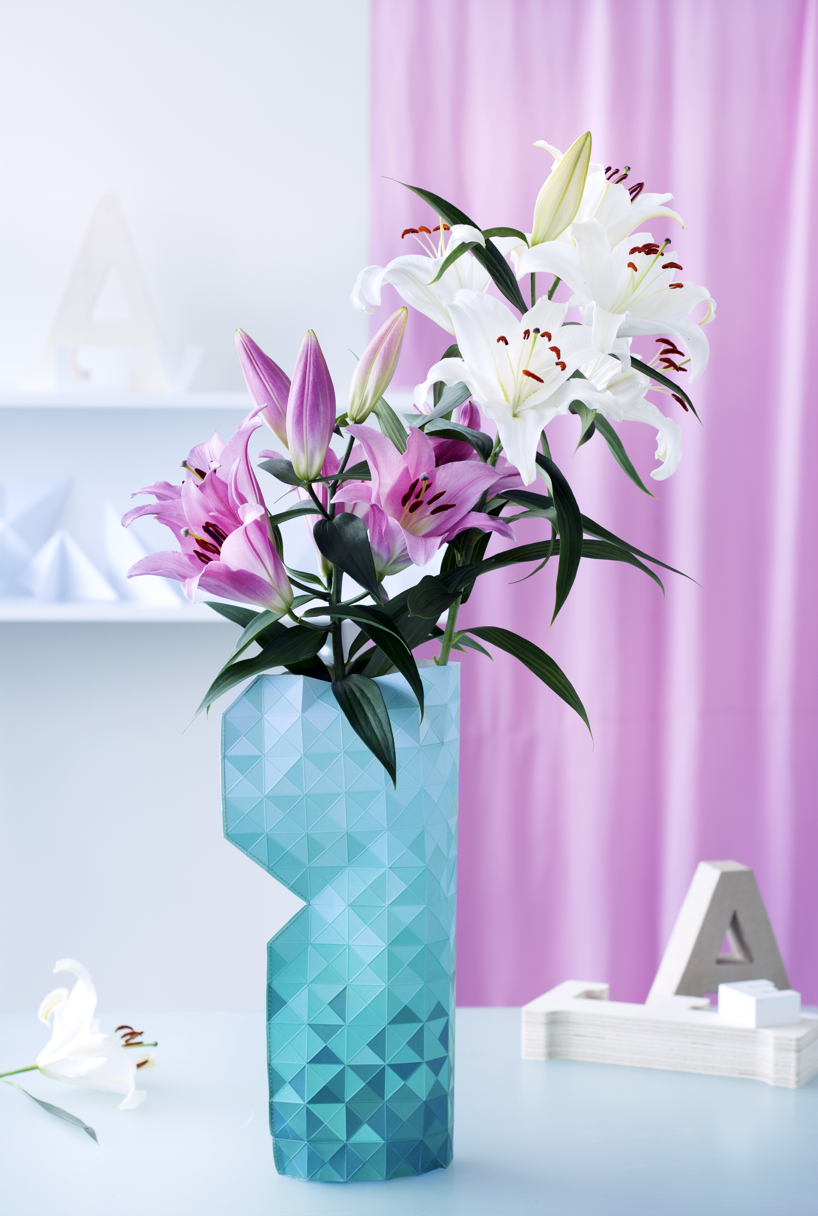 The Feng Shui Of The Lily Funny How Flowers Do That