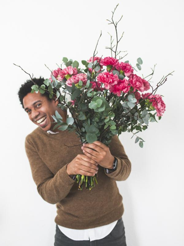 Win: carnations for a star Funnyhowflowersdothat.co.uk