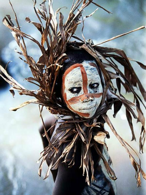 Funnyhowflowersdothat.co.uk Hans Silvester Surma & Mursi tribe East Africa's Omo Valley